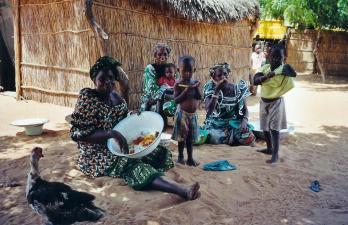 lompoul-village-peul-femme