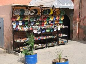 Poteries dans les souks de Marrakech