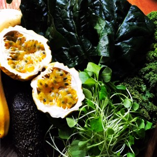 maracuja and greens for green smoothie