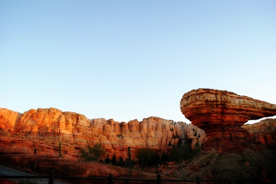 california-adventure-cars-radiator-springs-rockwork