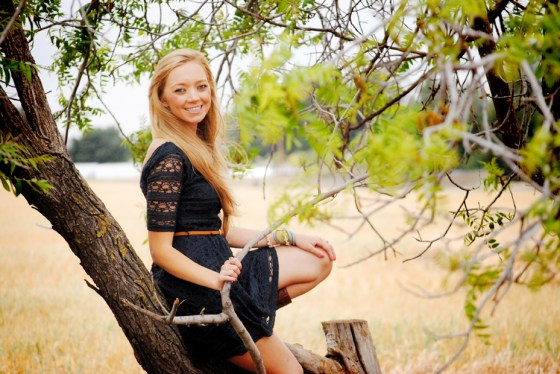 kristie-csusm-senior-portraits-menifee-fields_0759