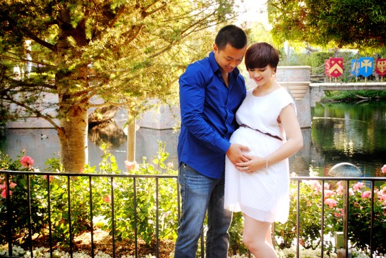 rachel-disneyland-maternity-photos_0687