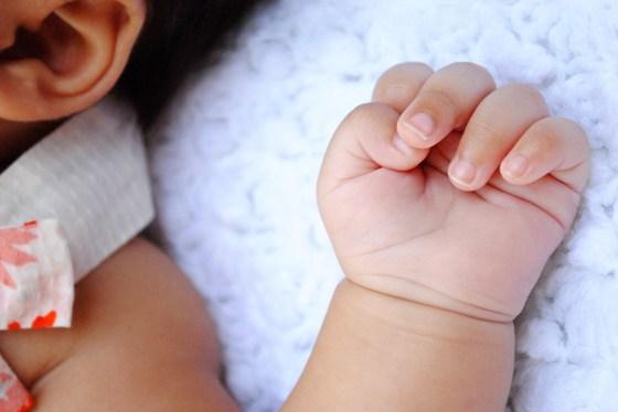 amelia-11-weeks-outdoor-newborn-baby-photography-lake-elsinore_0841