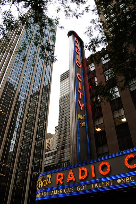 new-york-city-vacation-trip-radio-city-music-hall_0142_2