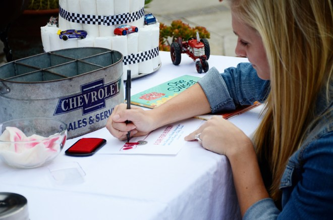 car themed shower party thumb print guest book 2