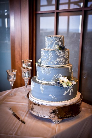 Heather Elise Photography crossings at carlsbad lace paisley cake 1