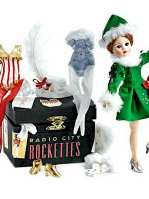 Rockette Deluxe Trunk Set by madame alexander