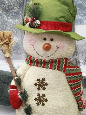 Yule Snoman with Broom