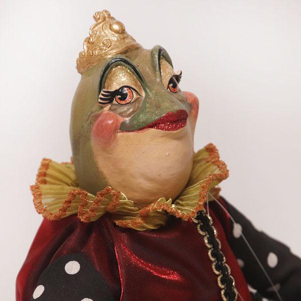 Queen Esmeralda Frog