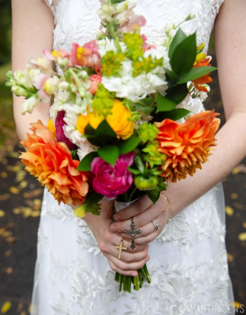 DIY wedding flowers - make your own bridal bouquet