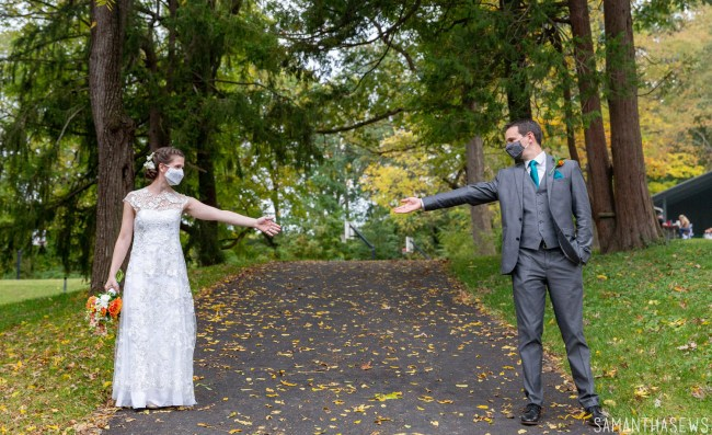 COVID-19 wedding planning - bride and groom masks