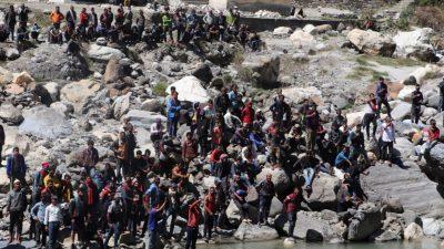 भारतीय शिविरमा रहेका नेपाली भारत सरकारको निर्देशन पर्खिनु परेको