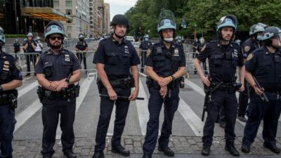 Many Police Aren't Wearing Masks, Posing Yet Another Risk To…