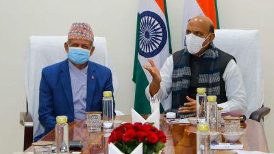 परराष्ट्रमन्त्री ज्ञवाली र भारतीय रक्षामन्त्री राजनाथ सिंहबीच भेटवार्ता