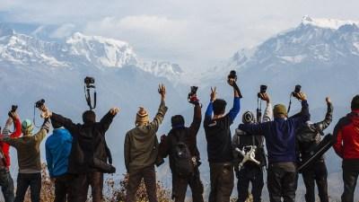 पहाडी पाखामा स्थानीय स्वादमा रमाउँदै पर्यटक