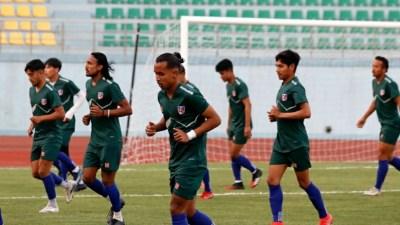 त्रिदेशीय कप फुटबल: नेपाललाई बङ्गलादेशसित जित्नैपर्ने दबाब