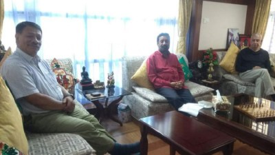 महाधिवेशन नजिकिदै गर्दा नेताहरु निधि, सिंह र कोइरालाको सक्रियता बढ्दो