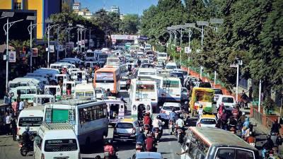 सार्वजनिक यातायातमा राजधानीमै मनपरी भाडा, अनुगमन सुस्त