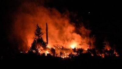 स्पेनको क्यानरी टापुमा ज्वालामुखीबाट करिब २० घरहरू 'ध्वस्त'