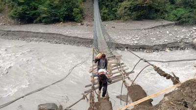 'चामे जान काम पर्छ, पुल छैन'