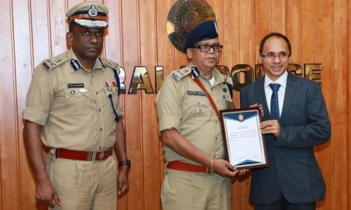 Kerala Police felicitates Walkaroo International Pvt Ltd