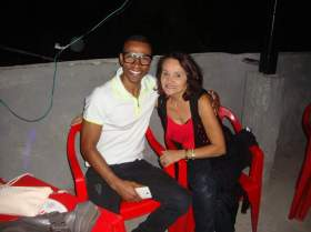 Coreógrafo da comissão de frente ( Lazaro Oliveira ) - esquerda / Departamento Social ( Rosa Fontenele ) - direita