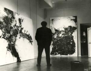 Installation of the solo exhibition at the Martha Jackson Gallery, New York. (Photo courtesy Martha Jackson Gallery Archives, University at Buffalo Anderson Gallery, State University of New York at Buffalo.)
