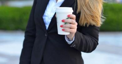 咖啡寄杯優惠助省錢?小心落入免費思維,不知不覺多花冤枉錢!