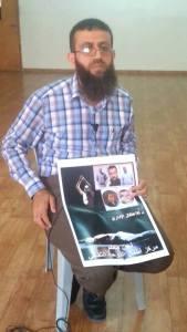 Khader Adnan supports the hunger strikers.