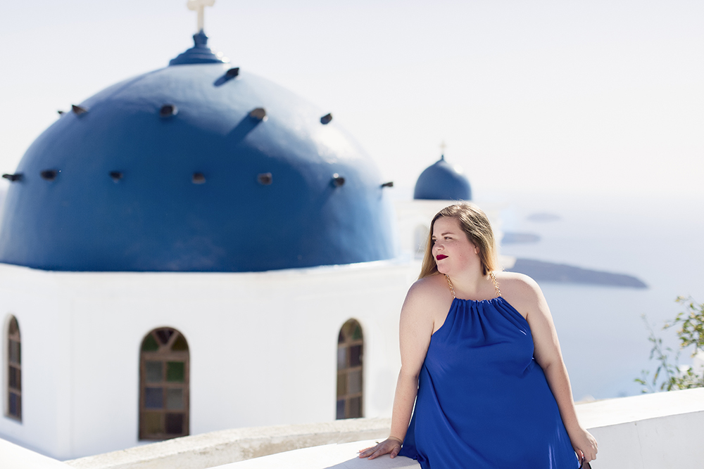 How to get incredible photos of yourself while traveling solo in Santorini, Greece!