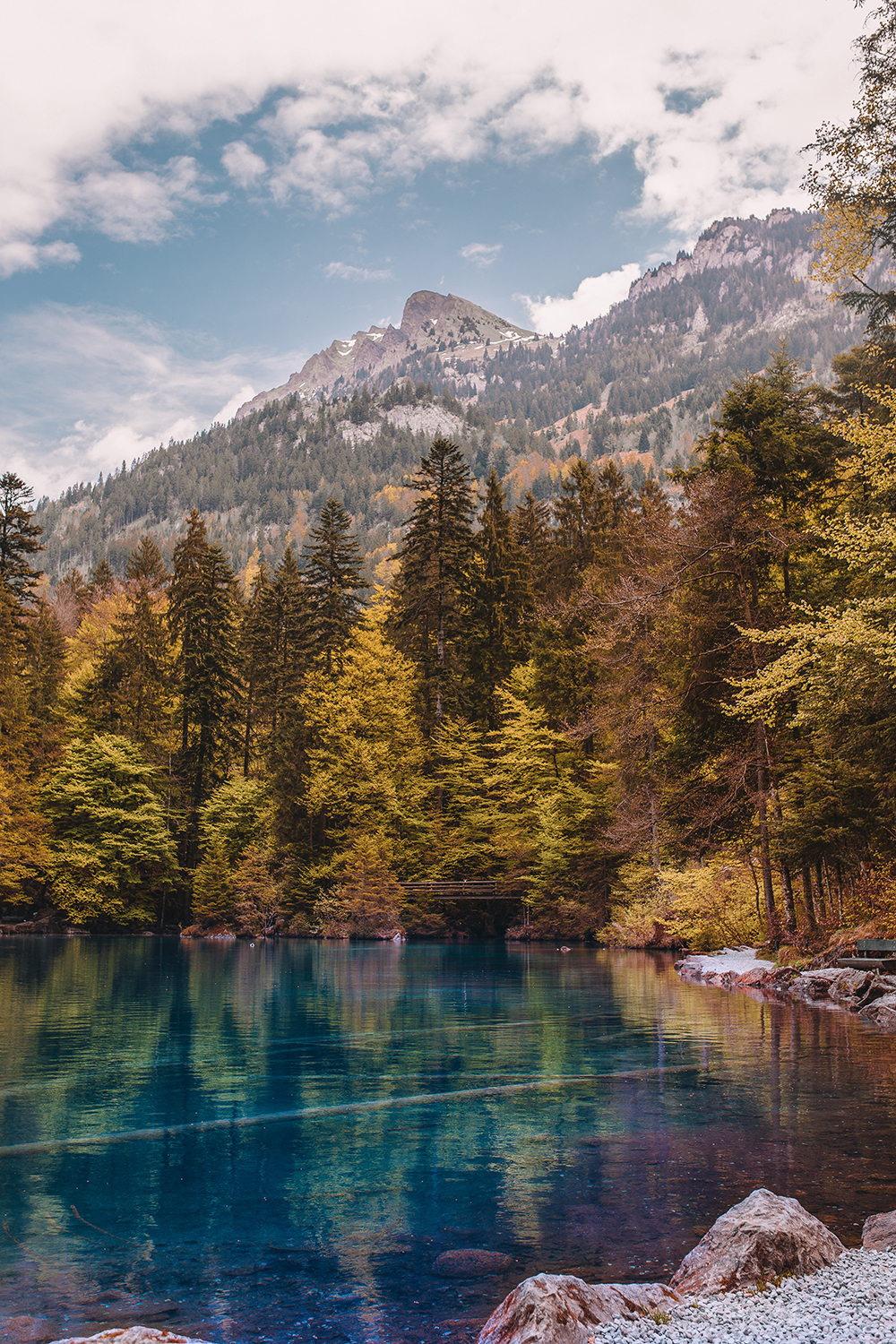 If snow-capped mountains, crystalline blue water, or fairy forests are your kind of thing, then plan a trip to Lake Blausee when you visit Switzerland!