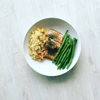 Quick and Easy Wild Salmon with Quinoa and Green beans