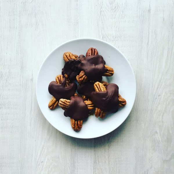 Homemade Dark Chocolate Date Turtles