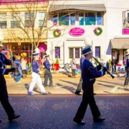 holiday-parade-band