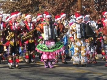 holiday-parade-mummers