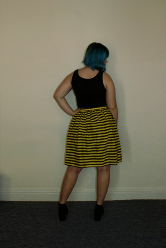 bee skirt back
