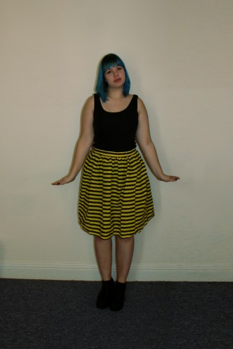 bee skirt front