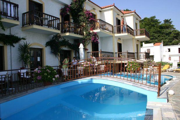 villa-agios-konstantinos-pool-2