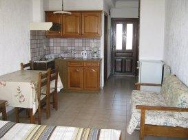 villa-agios-konstantinos-room2