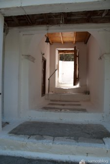 Entrance from inside