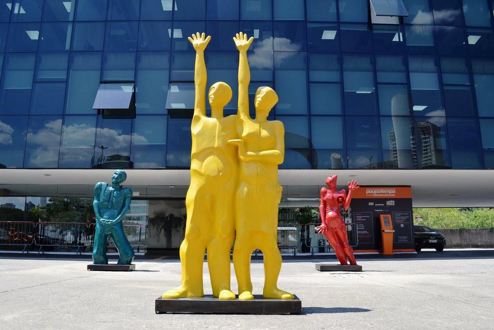 Memorial da América Latina realiza ação inédita ao levar esculturas de Adelio Sarro para a ciclovia do rio Pinheiros