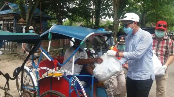 1.500 Paket Sembako Dibagikan Serentak Diseluruh Kecamatan di Kotim