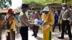 Polres Kobar Peduli, 300 Warga Terima Bantuan Beras