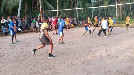 Pertandingan Bola Voli Perkuat Keakraban dan Kekeluargaan Masyarakat dan Satgas TMMD