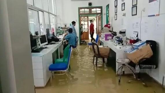 Banjir Rendam RSUD dr Murjani Sampit, Pelayanan Operasi Sementara Dihentikan