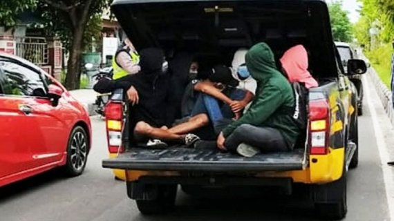 Ingin ikut demonstrasi, belasan pelajar Sampit dibawa ke kantor polisi