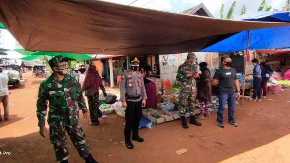 Pendisiplinan Prokes, Polsek Cempaga Kunjungi Pasar Desa Cempaka Mulia Barat