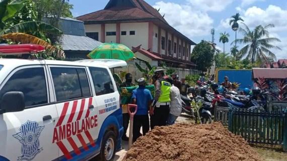 Sat Lantas Polres Kotim Melaksanakan Pengawalan Jenazah Warga