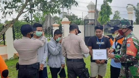 Polsek Sungai Sampit Laksanakan Operasi Yustisi Penggunaan Masker Kepada Masyarakat