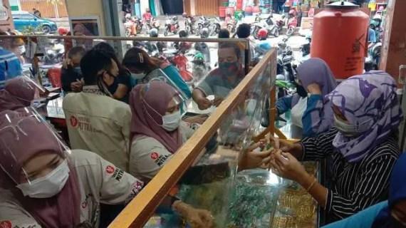 Harga Emas Perhiasan Turun Tipis, Jenis 999 Dibandrol Rp 910.000 Per Gram